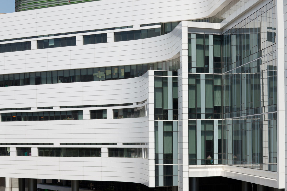 Alucobond Plus, Rush University Medical Center, Hospital, Perkins + Will, Chicago, Photos by Robert R. Gigliotti