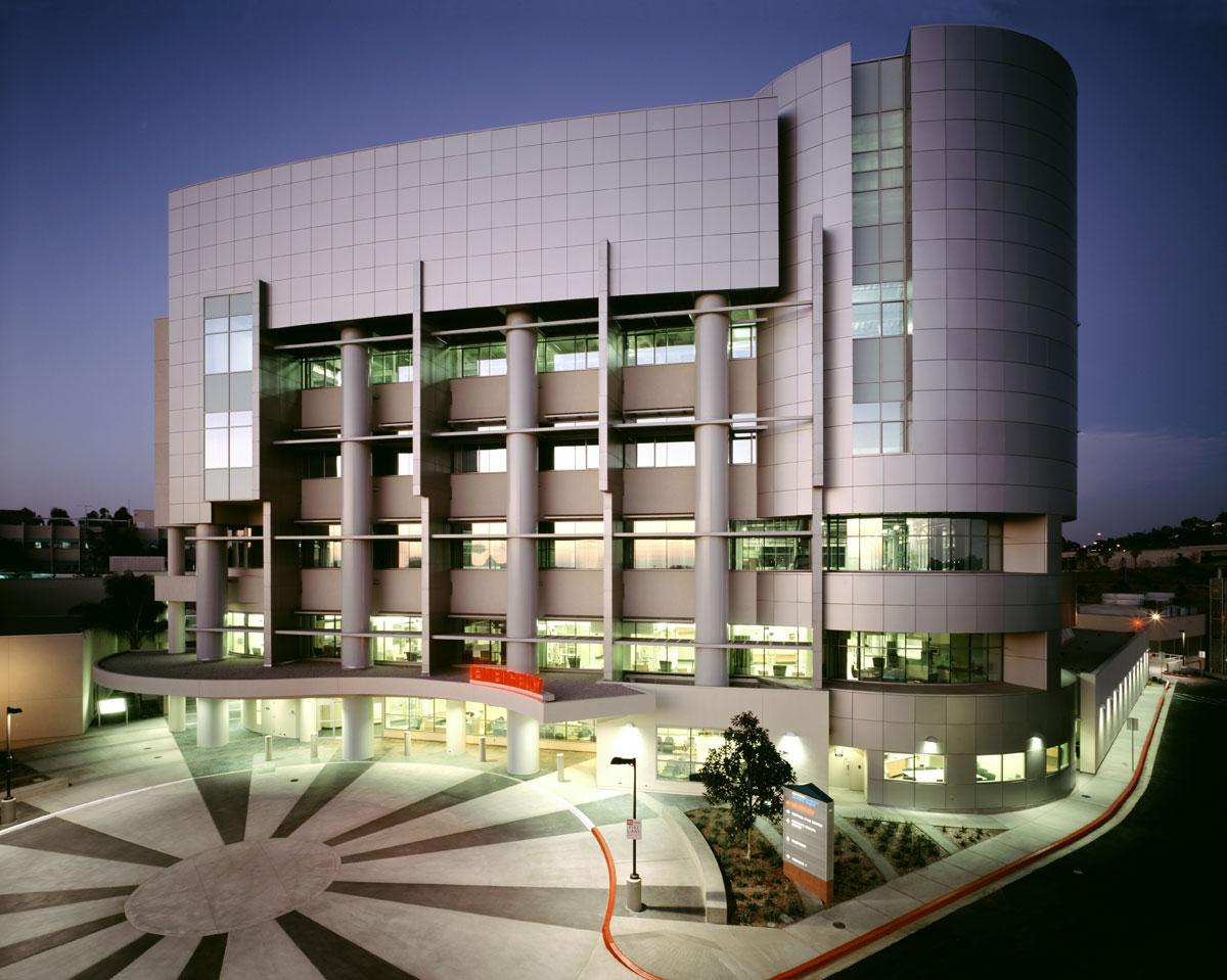 Alucobond_Sharp-Grossmont_Hospital_Center_Glass_Co_La_Mesa_California_3.jpg