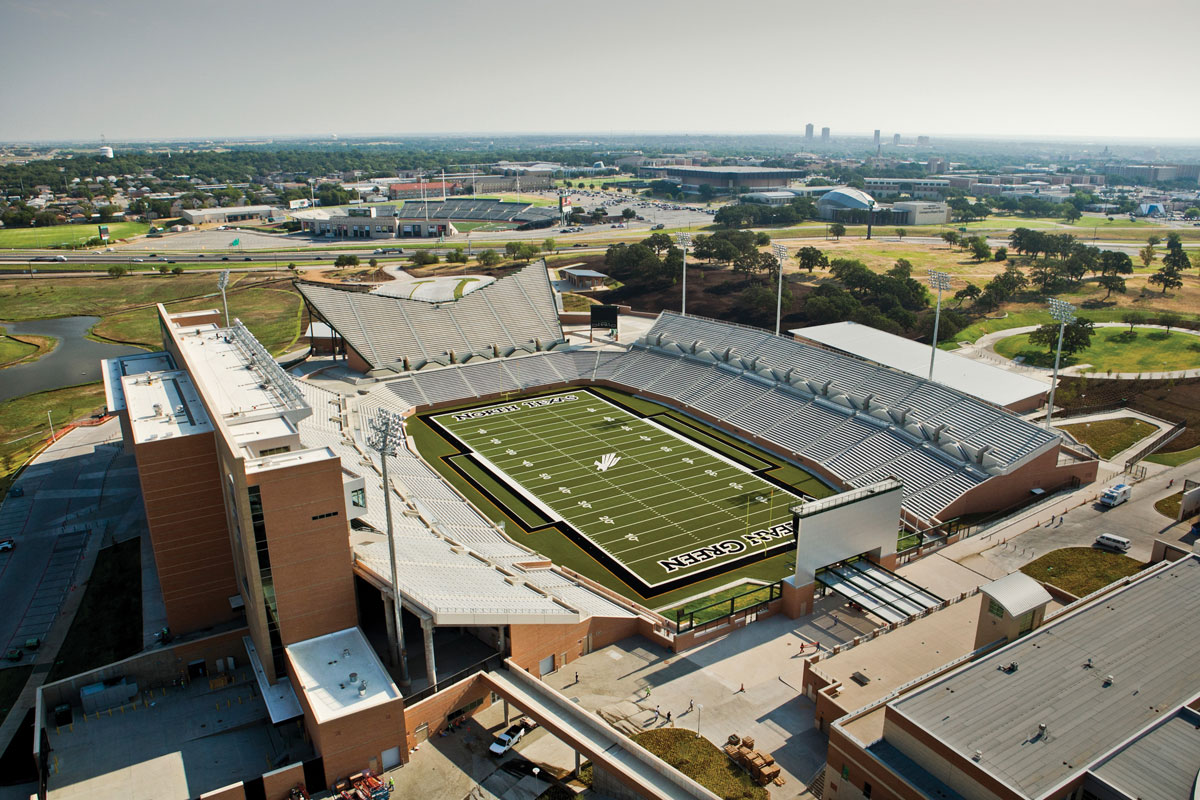 Alucobond, UNT Stadium, HKS, Texas, Photo by Daryl Shields