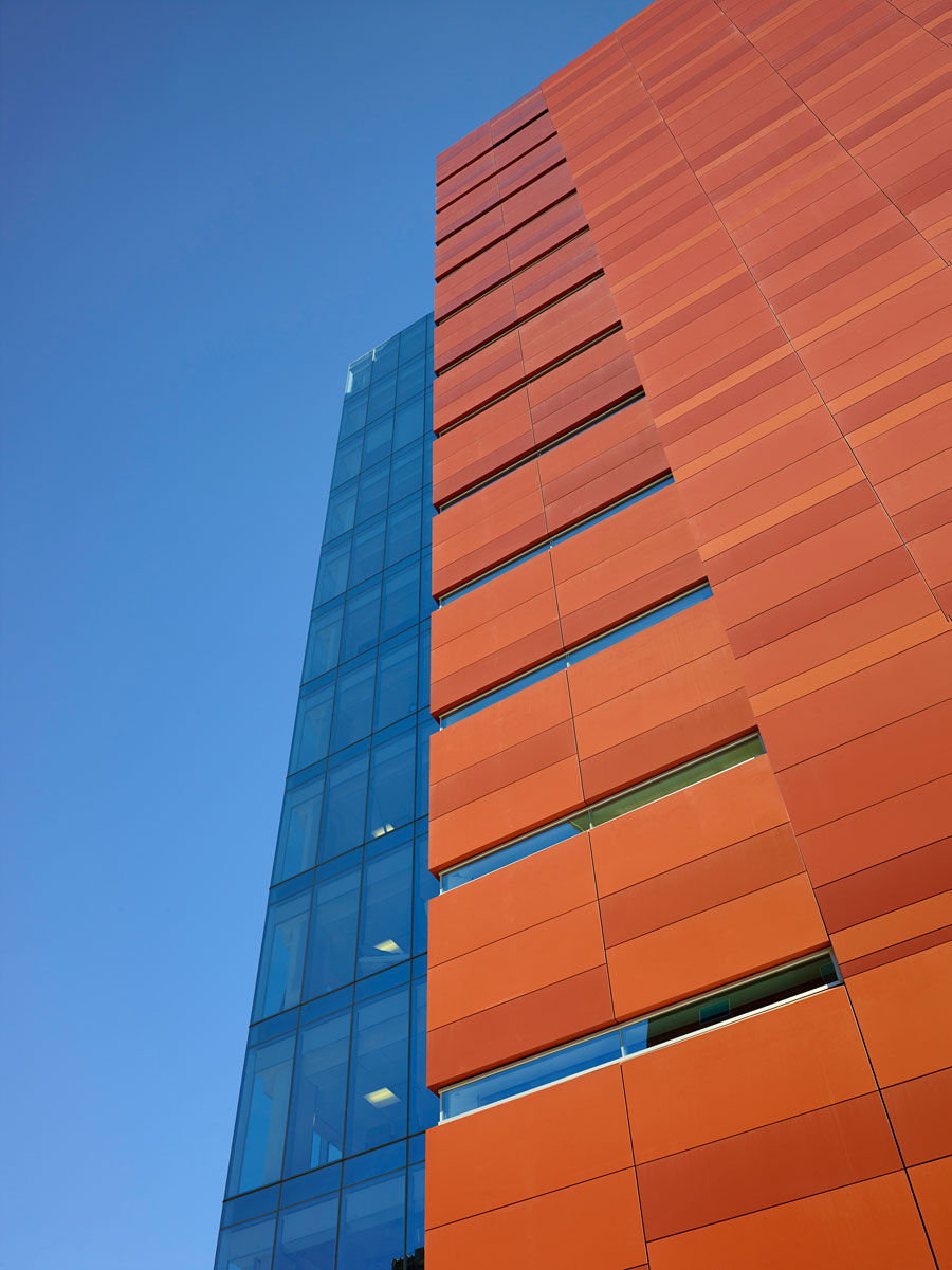 Architects Paint Medical Office Tower With Custom Alucobond Plus