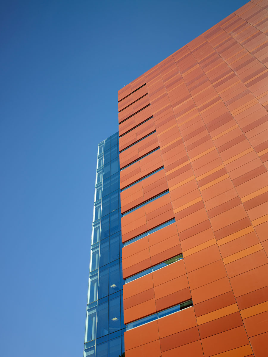 Penn Medicine Washington Square, Ballinger, Alucobond Plus Custom ACM, Photography by Jeffrey Totaro