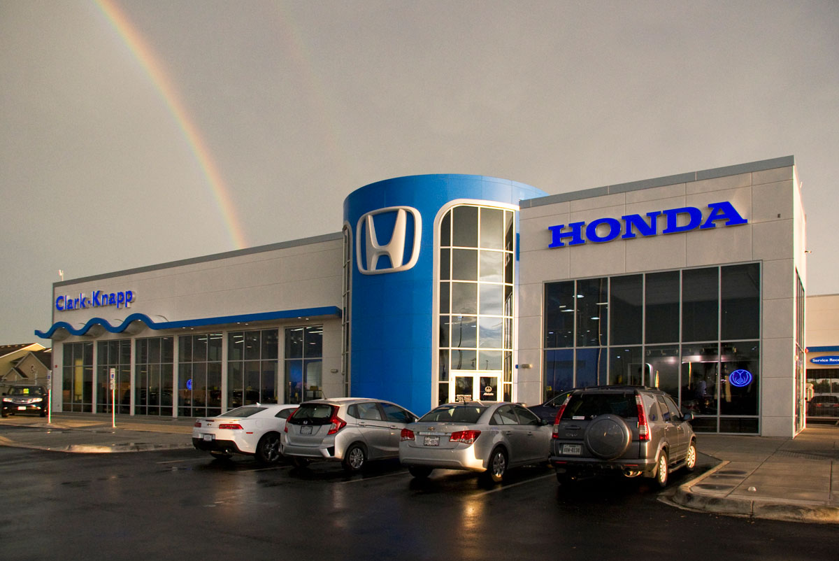 honda dealership showcases signature design clad in alucobond