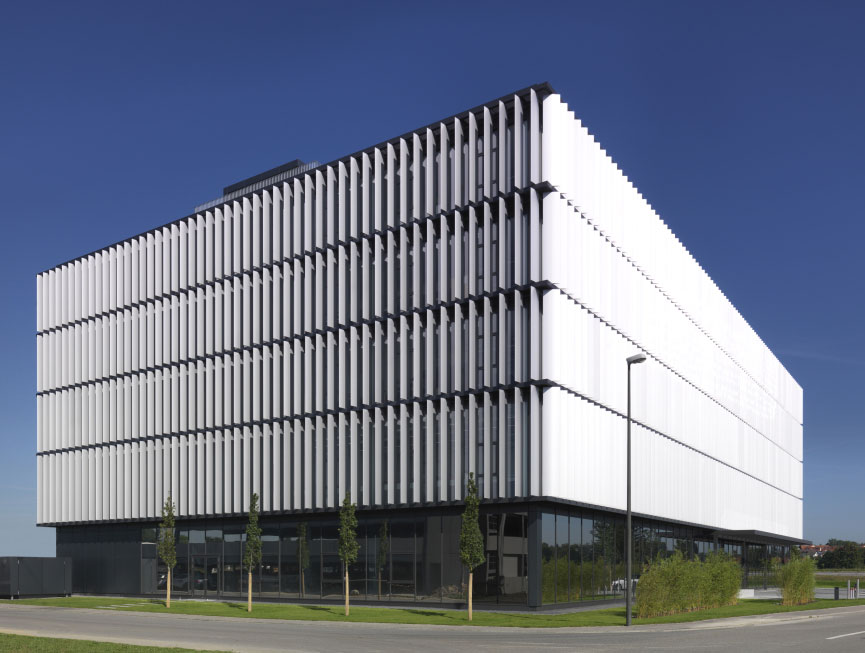 Silver Alucobond Louvers Provide Innovative Daylighting To