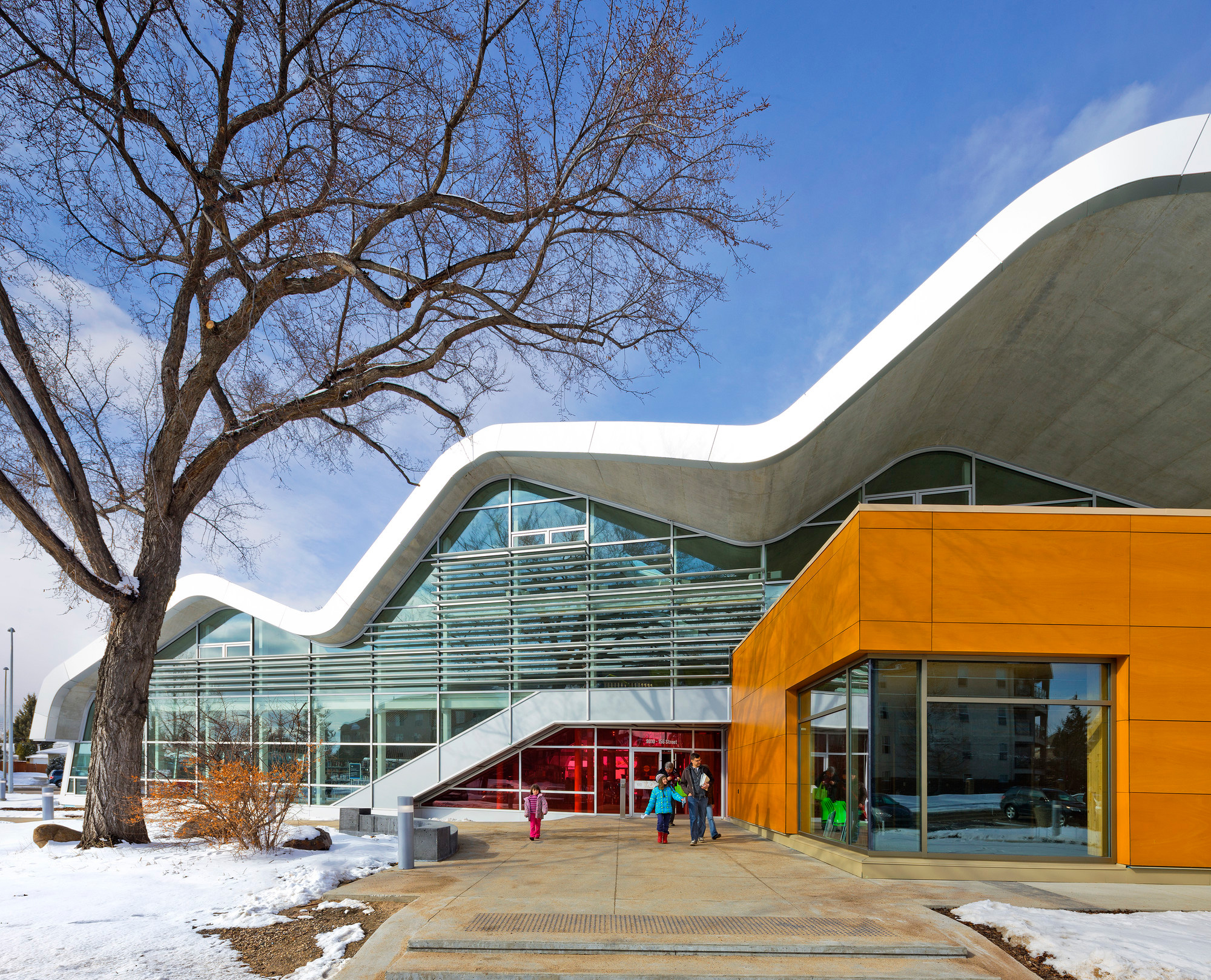 Jasper Place Branch Library, Hughes Condon MarierArchitects, Dub Architects, Alucobond Fascia ACM, Photography by Gerry Kopelow