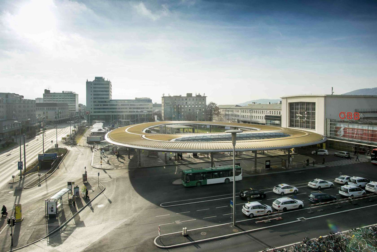 Golden Eye, Graz Main Station, Local Transport Hub, Zechner & Zechner Architects, Austria, Custom Alucobond Spectra A2