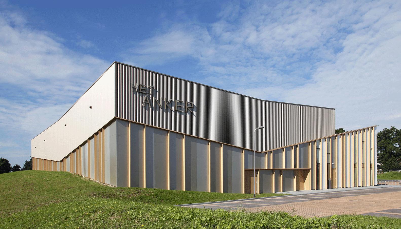 Het Anker, Architect MoederscheimMoonen, Zwolle, Netherlands, Alucobond Sparkling White, Silver Champagne Metallic, Bronze Metallic, Photography Harry Noback Maarten Sipma