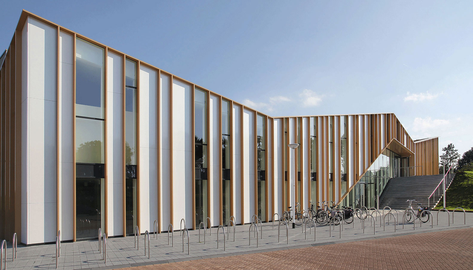 Het Anker Community Center Makes A Statement With Metallic