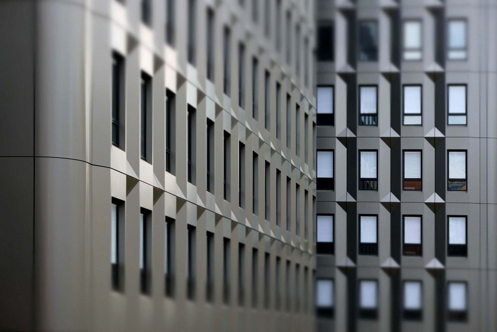 Offices Chevaleret, Re Architecture, ARCHIGROUP, Alucobond Grey Metallic, Photography Thierry Favatier