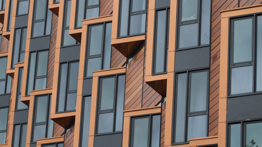 Color-Changing Alucobond Plus Used To Create Hotel's Three