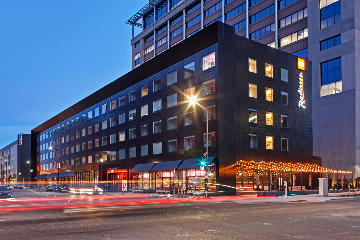 Radison RED Hotel, Minneapolis, Alucobond Plus Focus Black, ESG Architecture Design, Atomic Sheet Metal, Ryan Companies US, Bergerson Photography