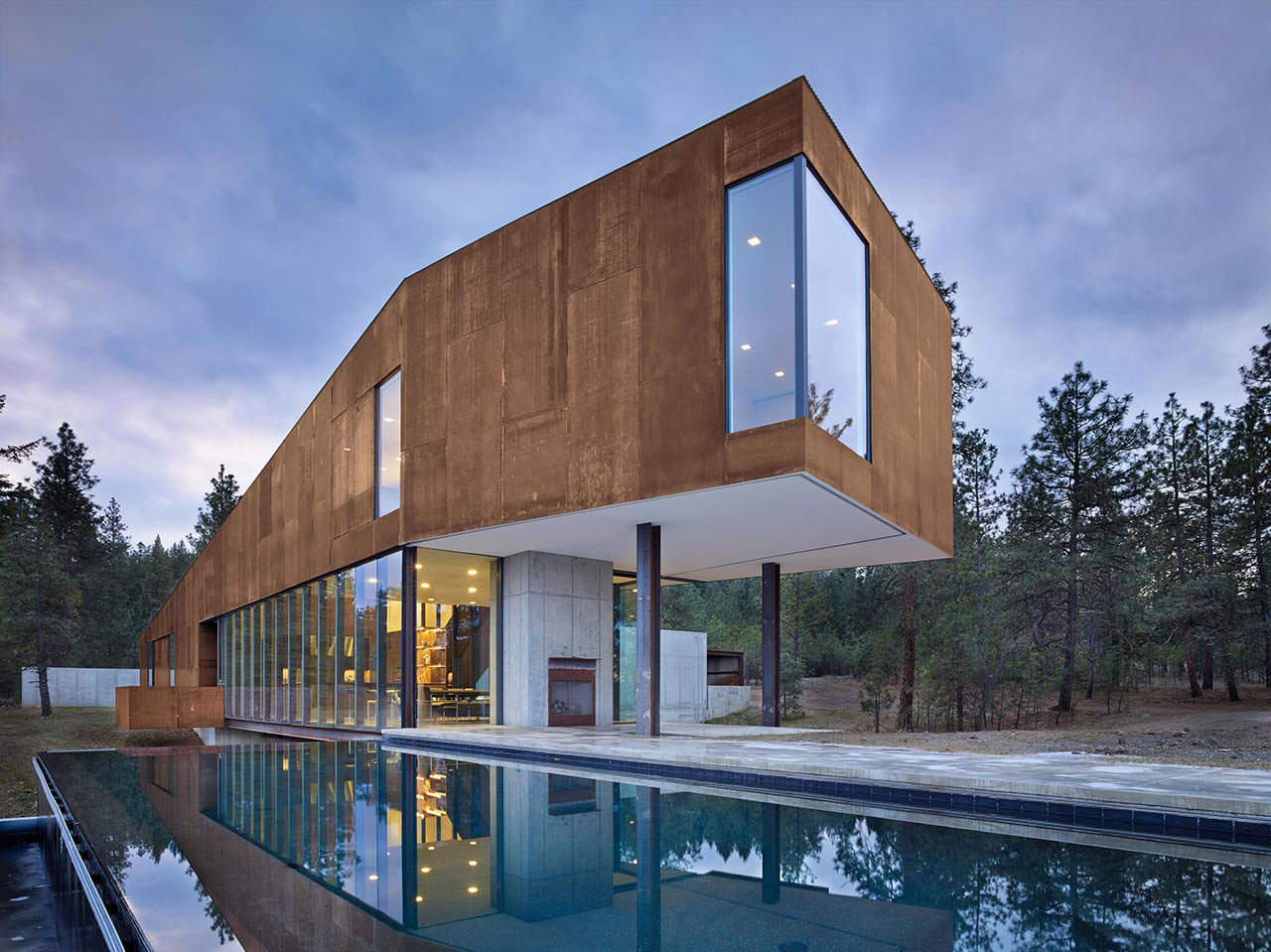 Rimrock Residence, Spokane, Washington, Olson Kundig Architects, Weathered Steel Facade, Photography Benjamin Benschneider