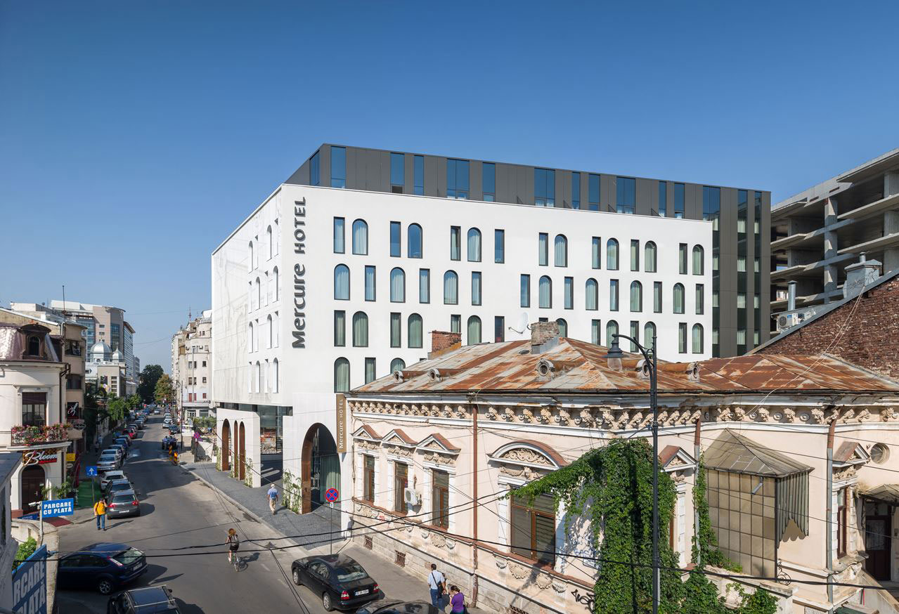 Hotel Mercure, Arhi Group, Bucharest, Alucobond PLUS, Photography Cosmin Dragomir