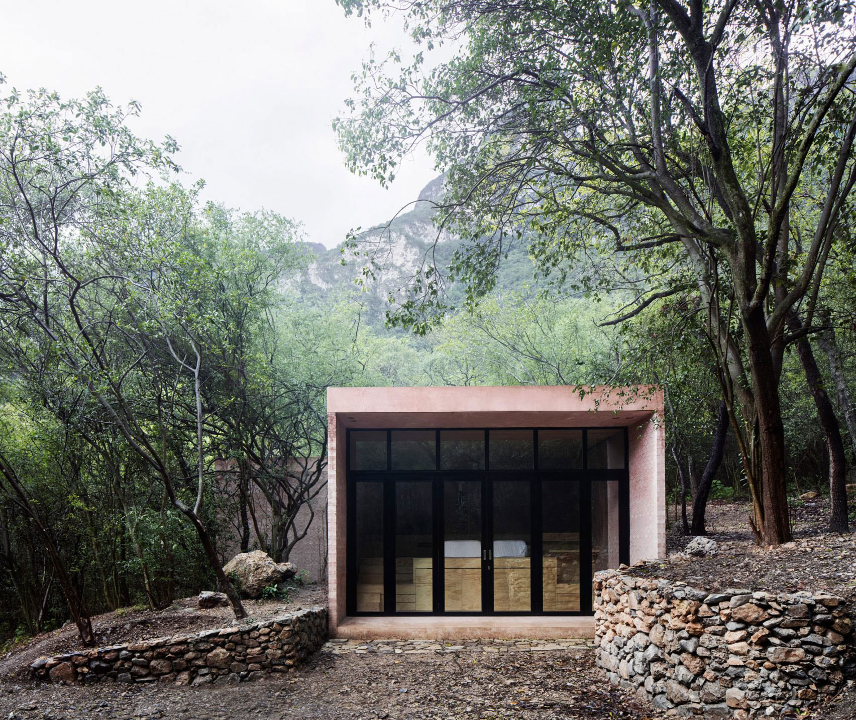 Los Terrenos, Tatiana Bilbao Estudio, Mirror Glass Dwelling, Mexico, Photography Rory Gardiner