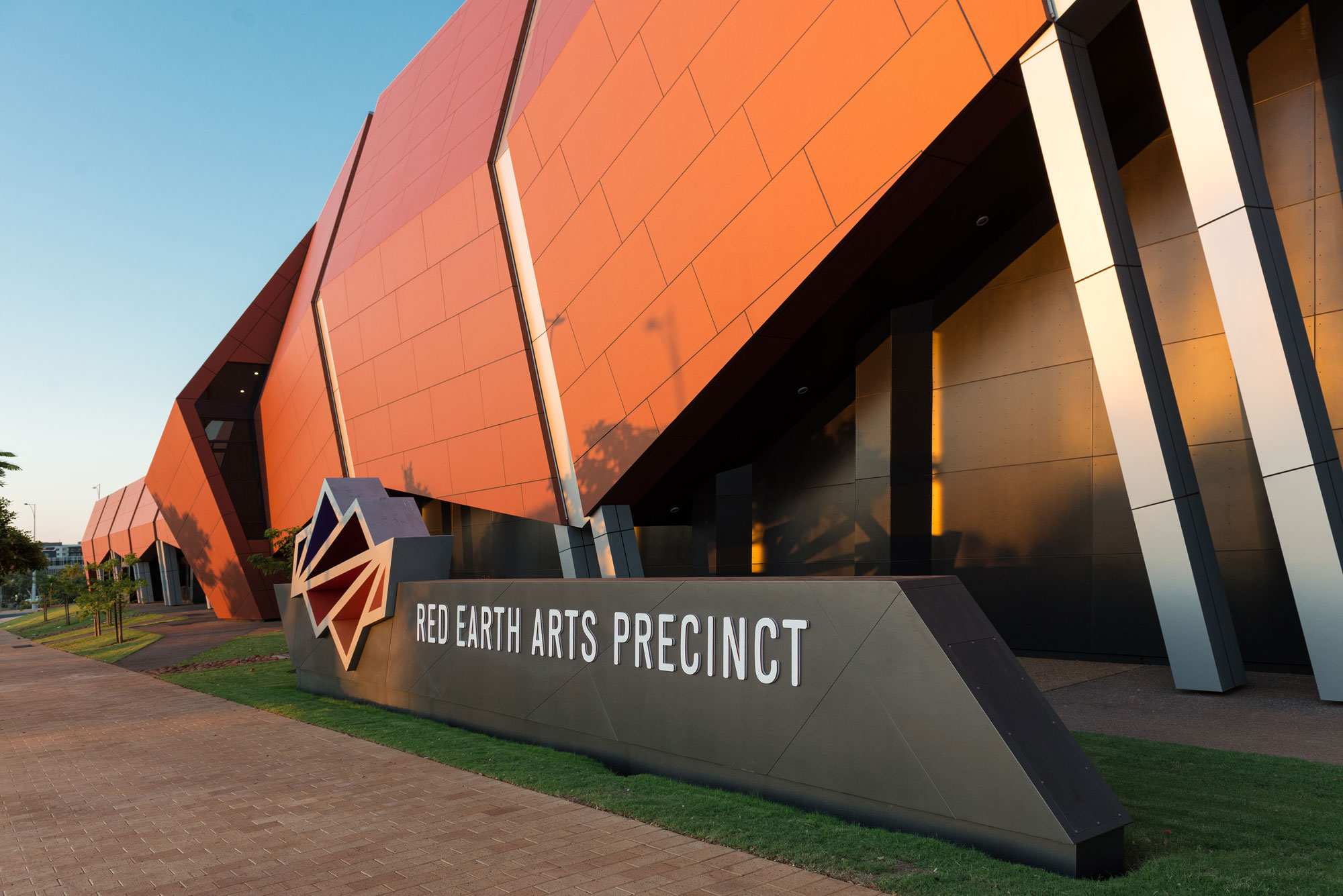 Karratha Arts Community Center Precinct, Australia, Alucobond PLUS, Terra Series, Peter Hunt Architects, DenMac