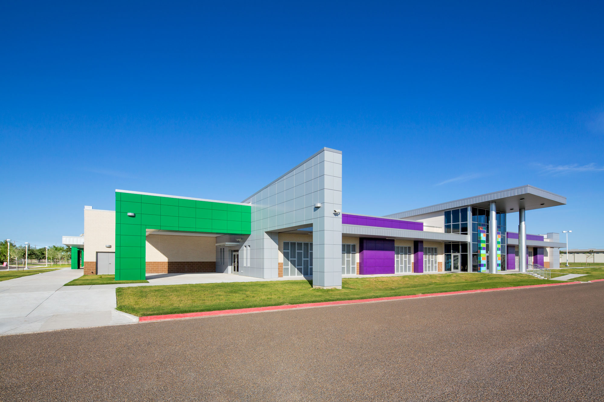 Alucobond, STC Technology Campus, EGV Architects, Bowman Distributing, Photography John Faulk